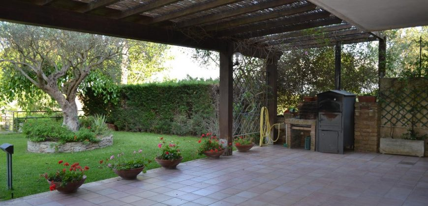 Villa in Vendita a Caltagirone (Catania)