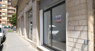 Locale commerciale in Affitto a Caltagirone (Catania)