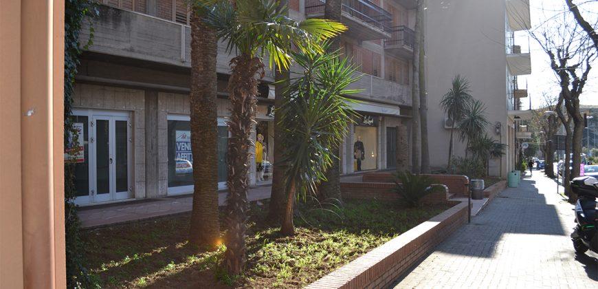 Negozio in Affitto a Caltagirone (Catania)